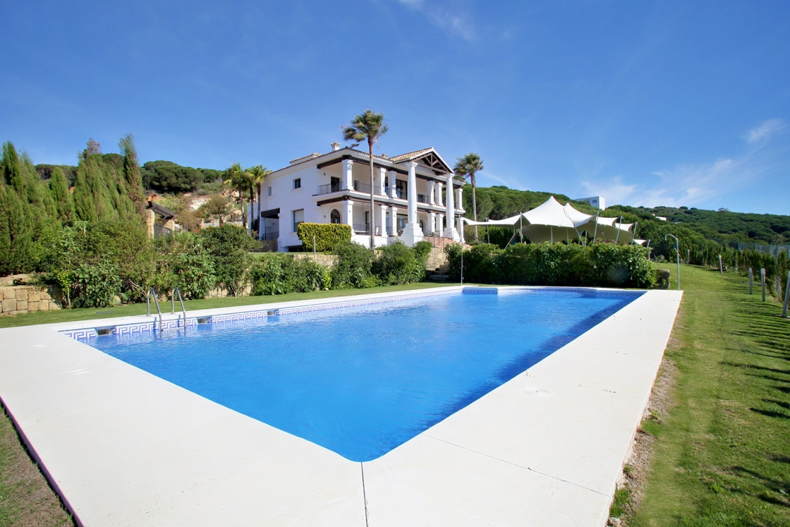 Gorgeous 5 Bedroom Luxury Villa in La Reserva, Sotogrande