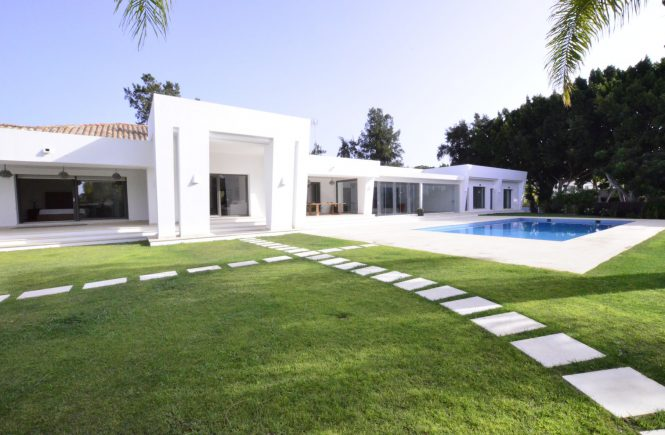 Modern Villa in Prestigious Kings and Queens Area in Sotogrande